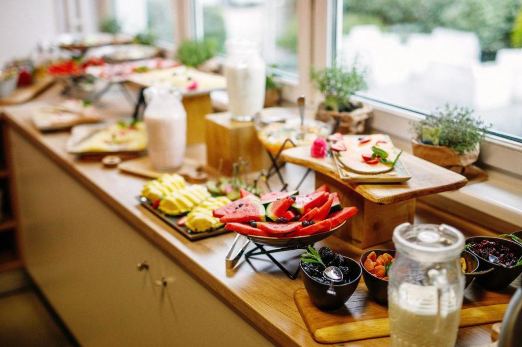 Zajtrkovalnica (bivanje in bonus ponudba)